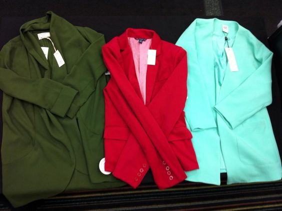 Blazers are a great way to instantly dress up ANY ensemble or add a pop of colour! Find them at #PlatosCloset for LESS!   www.platosclosetbarrie.com