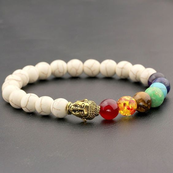 A beautiful chakra bracelet with a Buddha head charm that enables you to focus on your class! This 7 chakra gemstone bracelet is a healing bracelet perfect for meditation to enhance your focus and reb
