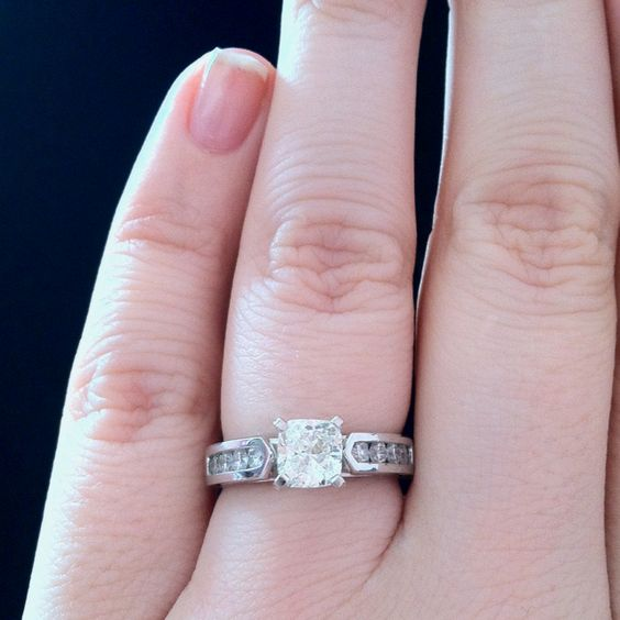 LOVE my ring :) <3 can't wait to find the perfect band!