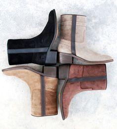 Wat een schattige enkellaarsjes. Vinden jullie niet? Een echte musthave voor de herfst en winter. Zorg snel dat jij je winter laarzen of enkellaarsjes gevonden hebt! Nu op aldoor mét korting. #korting #aldoor #winterlaarzen #enkellaarsjes #musthave @#uitverkoop