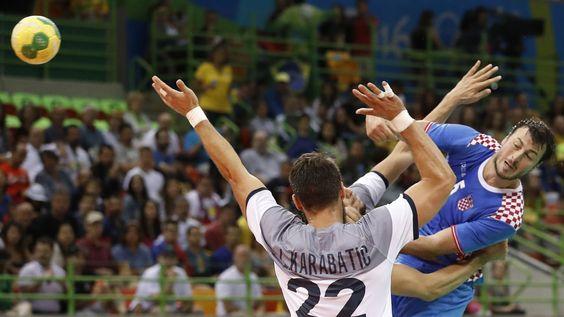 Rio 2016 - Le Croate Domagoj Duvnjak face au pivot de l'équipe de France Luka Karabatic(1520×855)
