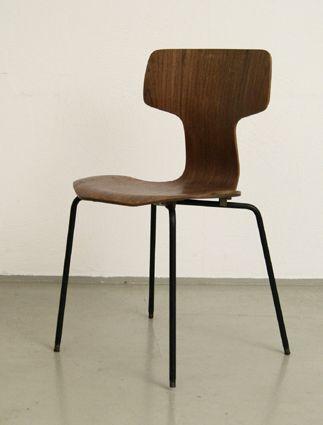 Arne Jacobsen T-chair