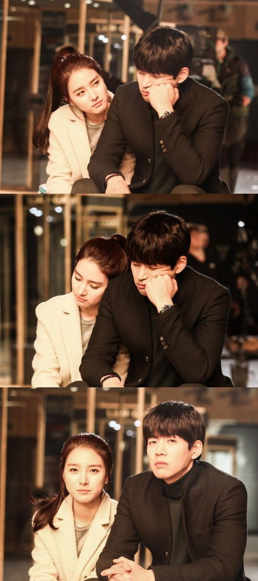 "Kim So Eun and Lee Sang Yoon Look Close Behind the Scenes of ""Liar Game"""