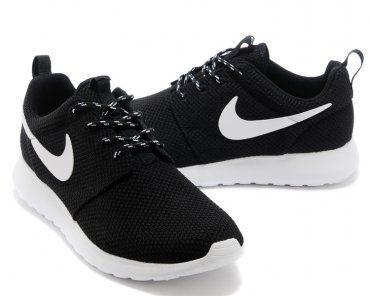 Nike Roshe Run Womens Black White Mesh