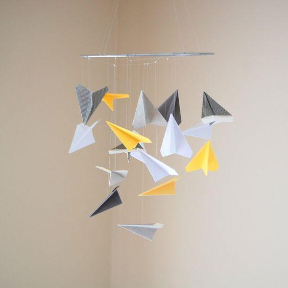 Joli papier avion Mobile choix de par SugarAndSpiceStudios sur Etsy