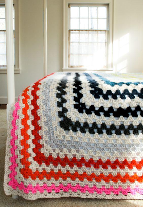 Knitting Granny Square Blanket : Giant granny square blanket knitting crochet