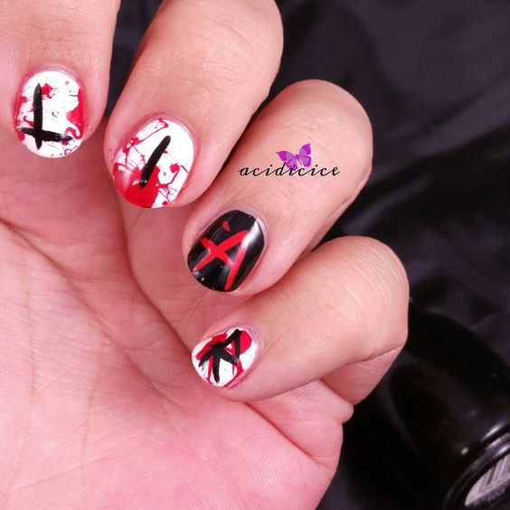 Pretty Little Liars Nail Art: