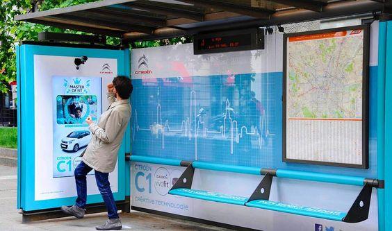 In Corso Sempione, una pensilina si è trasformata in una palestra all'aperto! Cosa aspettate? Correte ad allenarvi! ;)     #citroen #car #c1 #innovate #digital #interactive #gym #run #running #sport #waitingforsummer #tram #milano #igersmilano #advertising #outdooradvertising #OOH #c1MasterOfFit #igpdecaux