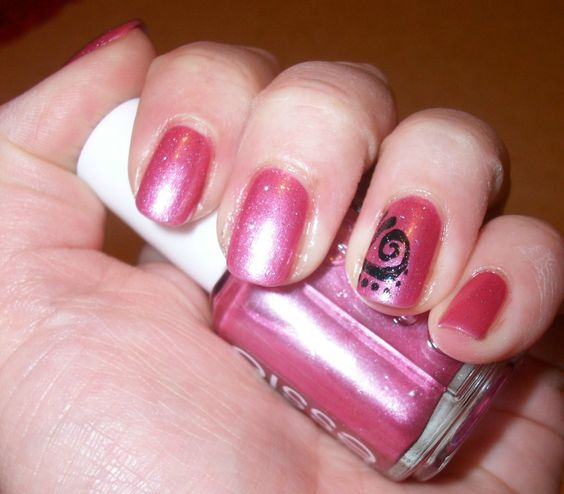 Essie _ China doll