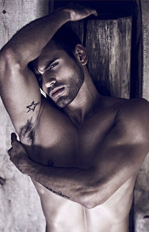 Leonardo Corredor by Daniel Jaems