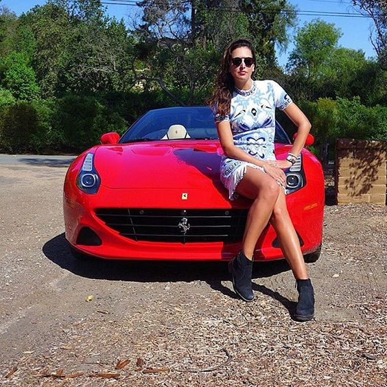 California dreaming ❤️ #morning #tgif #Ferrari #CaliforniaT #moalmada 👗@Pucci