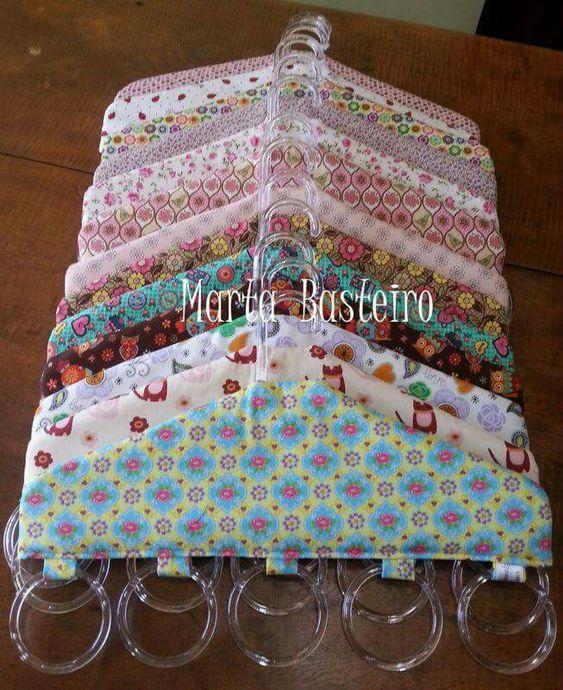 Organizador de cachecol e lenço.