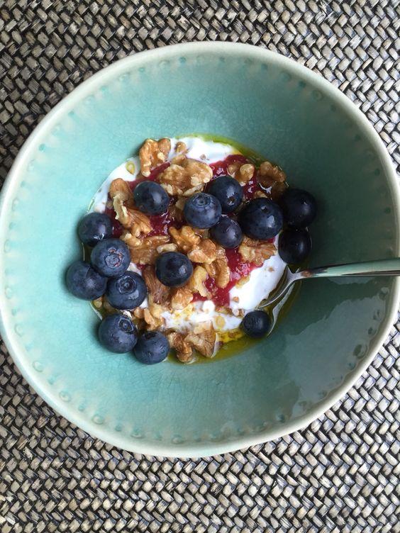 VEGAN BREAKFAST Coyo Coconut milk yoghurt, flax seed oil, walnuts, Yeo organic summer fruit compote & fresh blueberries.