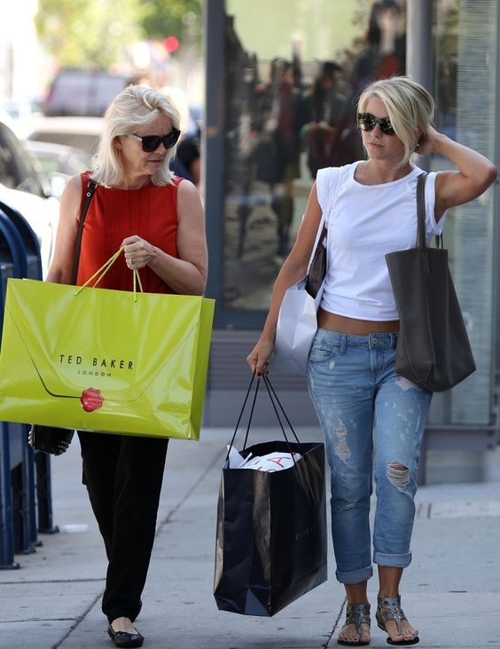 Julianne Hough shopping with her mom  Mari Anne Hough