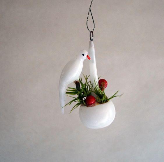 Vogel auf Blumenampel Milchglas Gansfeder UM 1920 1735 | eBay