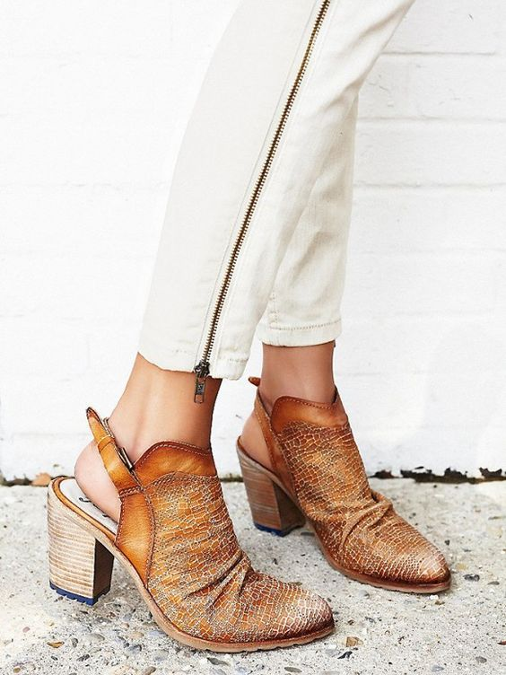 The Most Popular Brand Among College Girls | Colleges, Free people ...