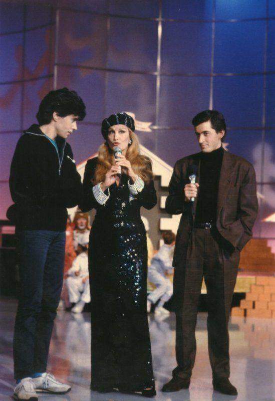 Dalida en compagnie de Jean Luc Lahaye et Christophe Dechavanne