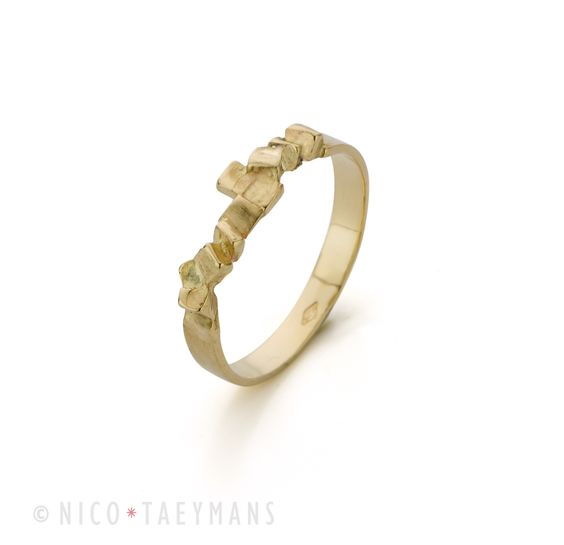 Fine simple ring