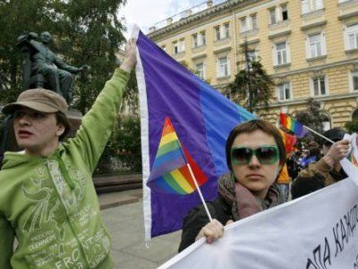 "June 1, 2008- ""Two years ago police, militant Orthodox Christians and neo-fascists attacked and violently broke up the 1st ever gay rights march in Moscow."" These issues have been around a long time in Russia, they are not new. (Photo:  Hrvatsko Izdanje) http://dalje.com/en-world/russian-gays-lesbians-protest-against-homophobia/152870"