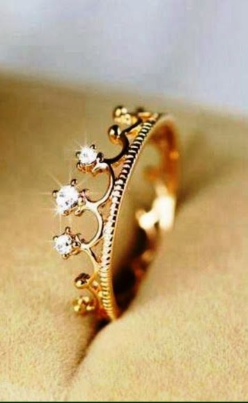 Crystal Crown Alloy Rose Gold Plated Women's Ring fashion: