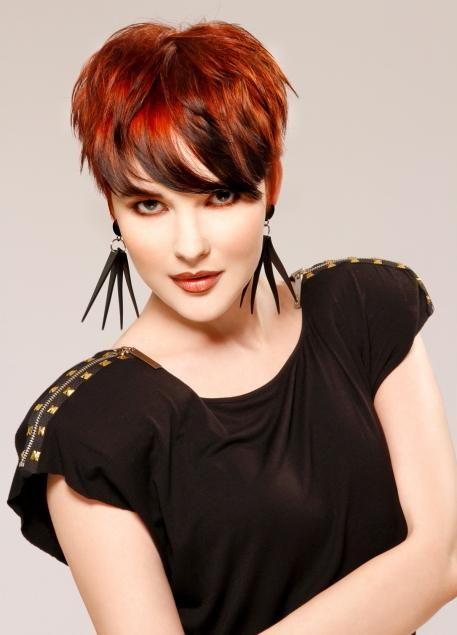 Coupe de cheveux courts – Magnifique coloration sur coupe pixie ...