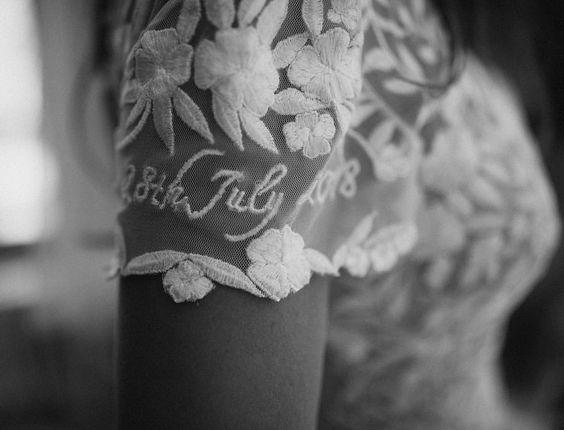 Ricami personalizzati su abito sposa 7