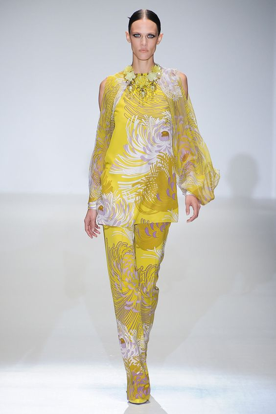 Gucci Spring 2013 Ready-to-Wear Fashion Show - Aymeline Valade