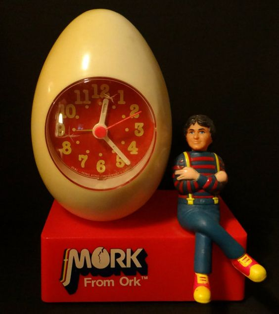 This is a hard to find Mork & Mindy talking Alarm Clock. Description from…
