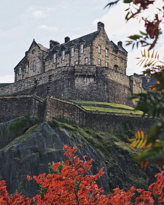 "Georgina | Edinburgh on Instagram: """"It was a beautiful bright autumn day, with air like cider and a sky so blue you could drown in it."" {Diana Gabaldon} ~ Edinburgh Castle…"""