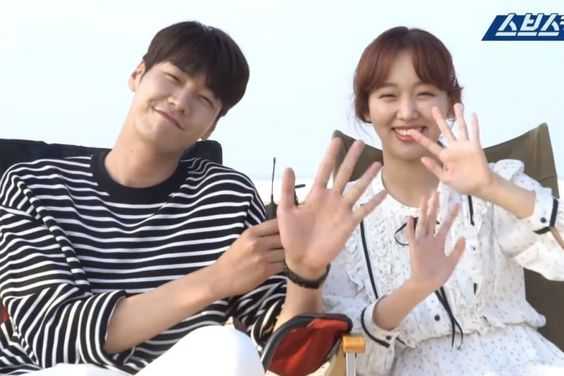 "Watch: Kim Young Kwang And Jin Ki Joo Share A Sweet Final Date In ""The Secret Life Of My Secretary"" Behind-The-Scenes Video"