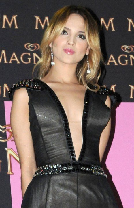 Eiza González derrocha sensualidad - Yahoo! OMG! En Español