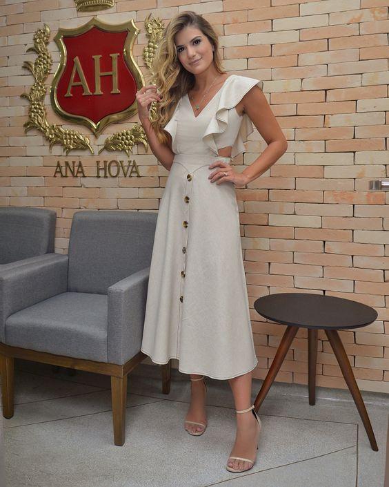 Vestido linho @anahovastore ♥️ Amando que o tecido do verão é o linho, acho lindo, chic, clássico.. tantos nos tons claros assim quanto nos…