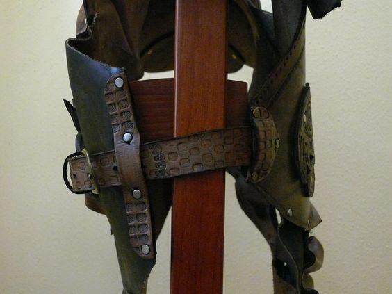 Correa de ajuste lateral de armadura celta