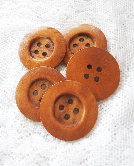 4 holes vintage look Wooden buttons pink in used look pink buttons round natural wood buttons 2 cm