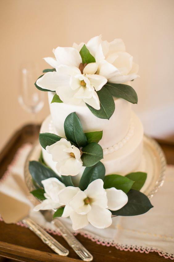 magnolia cake | Macon Photography | Glamour & Grace