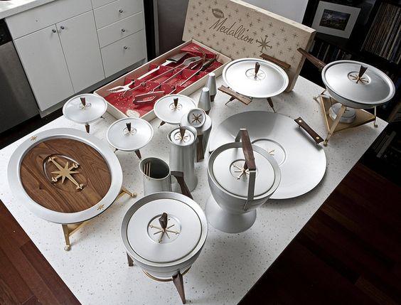deedee9:14 Mid-Century Modernist Design: Hot Collector's Tip: Mirro Medallion Servingware