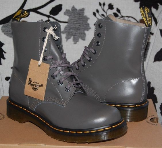 doc martens leather boots and boots on pinterest. Black Bedroom Furniture Sets. Home Design Ideas