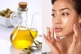 massage da mặt bằng dầu oliu