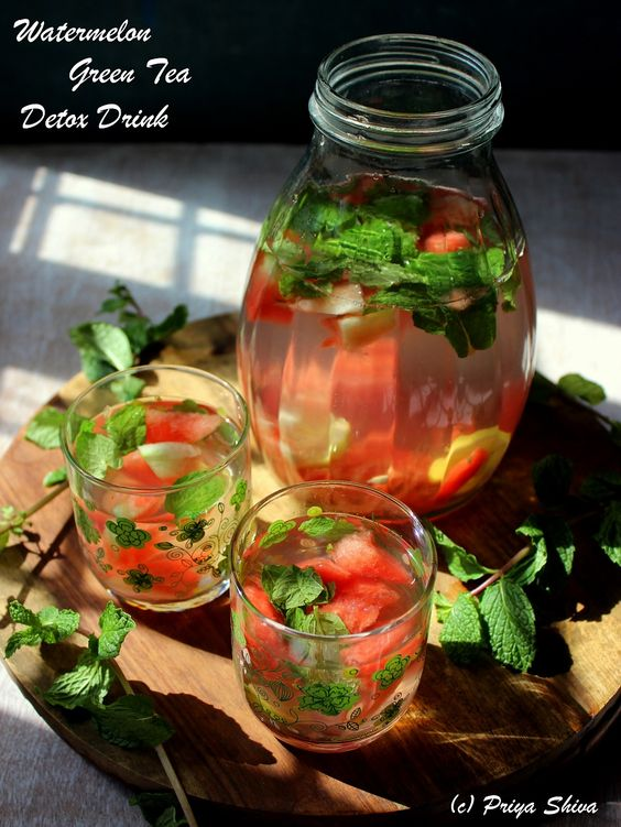 Watermelon green tea detox drink - a refreshing way to #detox and stay hydrated!