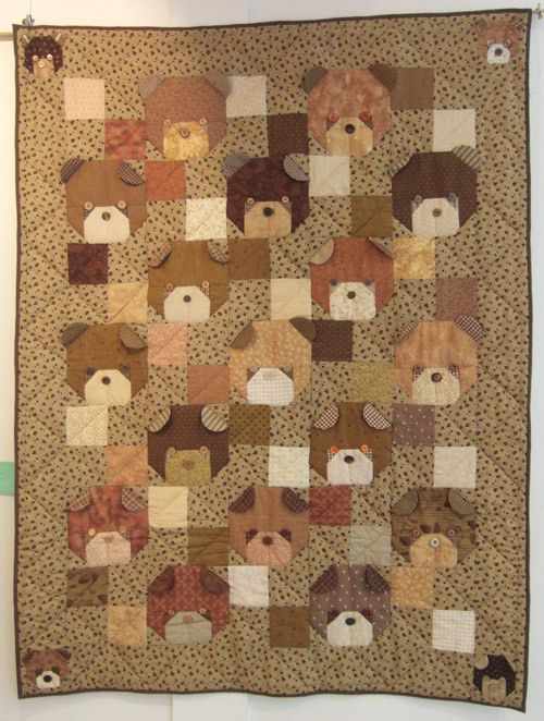 Cute Bear Quilt. I would love to adapt this to a pug quilt. You could make the ears pointy instead of round and the faces black.: