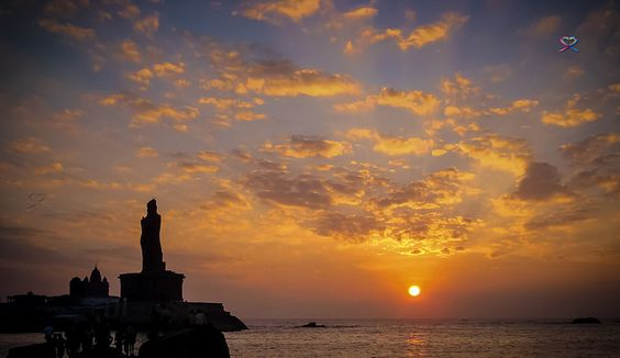 Sunrise, Kanyakumari... Thiruvalluvar, Vivekananda Rock Memorial, India