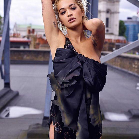 JEREMY SCOTT https://www.fashion.net/jeremy-scott #itsjeremyscott #fashion #fashionnet #mode #moda #style #model #designers