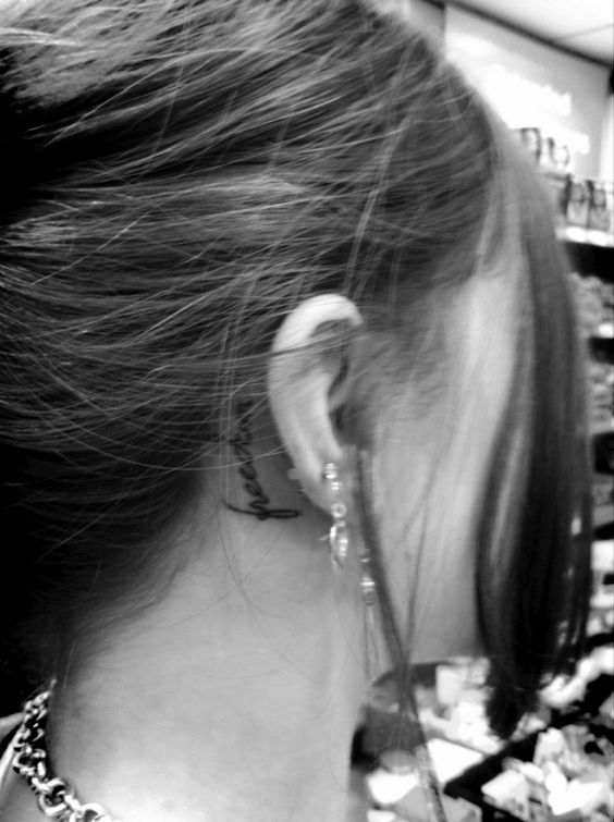 New tattoo behind my ear <3