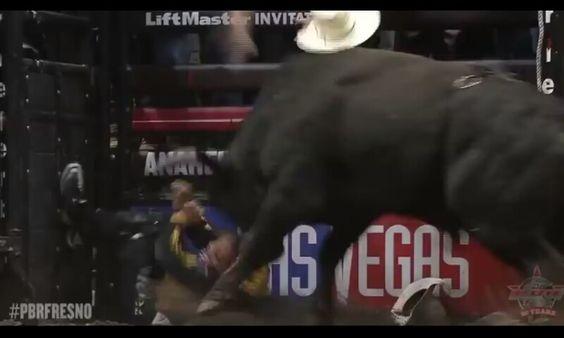 Frank Newsome gets pounded by MAVERICK!