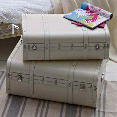 deko koffer for the home pinterest romantic living. Black Bedroom Furniture Sets. Home Design Ideas