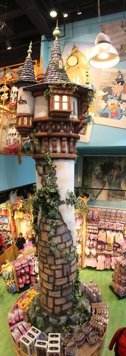 Rapunzel's Tower at the Disney Store in London! I need to go there!!!