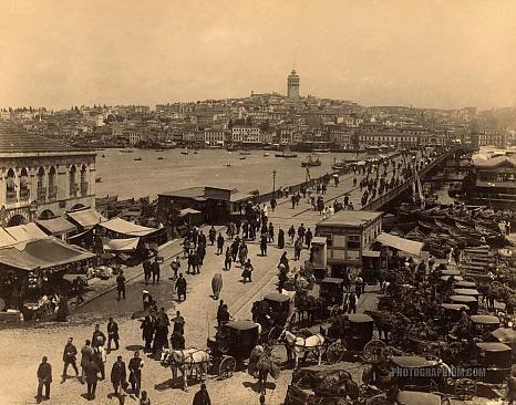 Galata Bridge: Istanbul 1880-1900