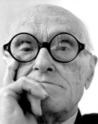 philip johnson architect/ iconic glasses