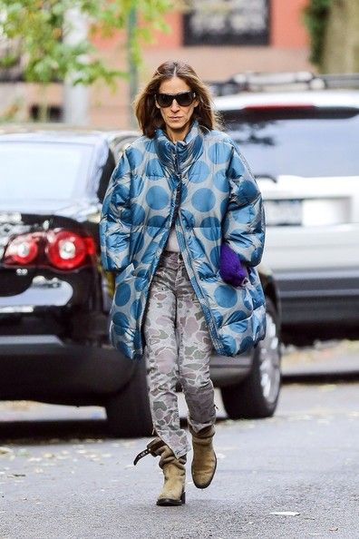 Sarah Jessica Parker Photos Photos - Sarah Jessica Parker keeps warm in mismatching patterns as she walks son James Wilkie to school, followed by her twins Marion and Tabitha. - Sarah Jessica Parker Out With the Kids