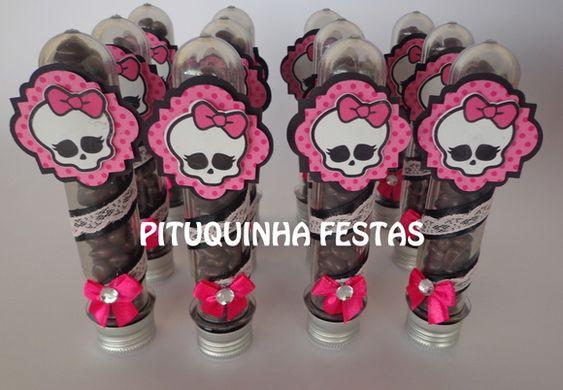 Tubos de Ensaio personalizado para o tema Monster High Papéis 180gr disponível em diversas cores e estampas Fitas e apliques Tubete de 13cm Com Drácula de sua preferência ou caveira ***NÃO INCLUSO GULOSEIMAS ***PEDIDO MINIMO DE 20 UNIDADES R$ 5,60